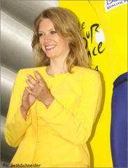 Hotesse Crédit Lyonnais (2004)