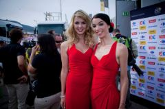 Candice Caron et Mélina Bloomfield, hotesses du podium Brandt 2013